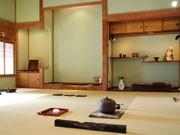 浅間温泉のギャラリーで漆芸作家・藤野征一郎さん個展-箔を使った作品も