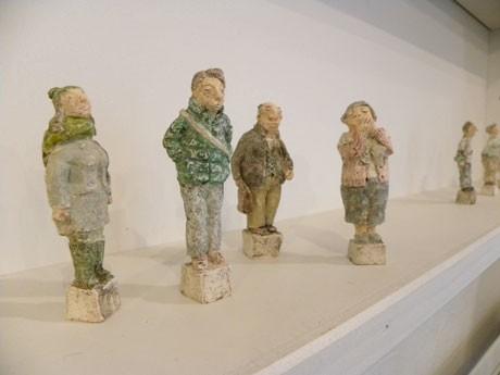鶴谷ひろみさんの陶人形