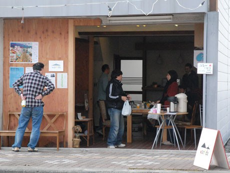 「nanoda」にも多くの人が訪れ、カレーを楽しんだ
