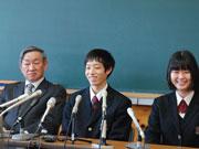 ローザンヌバレエ優勝の二山治雄さん、高校で報告会-生徒が祝福