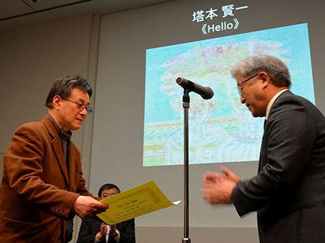 松本市美術館で「老いるほど若くなる」展 グランプリは73歳、串を使った点描画