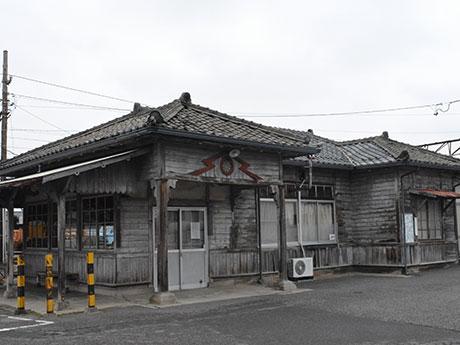 上高地線・新村駅旧駅舎解体へ 「ふるさと鉄道まつり」で最後の内部公開
