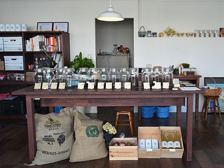 塩尻・広丘駅前商店街にコーヒー豆専門店「CLECY」 オリジナルグッズも