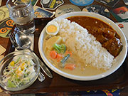 松本の「メーヤウ」がパブ「オールドロック」でカレー 「ヤドカリ」ランチ提供