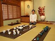 松本で陶芸家・西山光太さん個展 シンプル&カラフル、多彩な作品250点