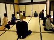 松本で座禅&カフェ「zen cafe」 気軽に座禅体験、僧侶と交流も