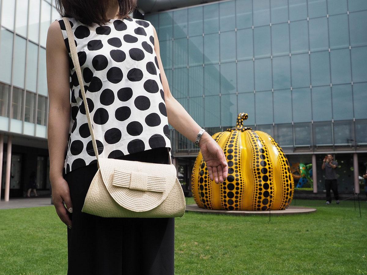 「#オシャレをして美術館」ウイークとして、ドッド柄の服や小物の着用を呼び掛ける