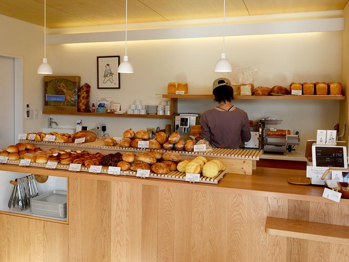 子ども用に大小2サイズで展開するパンも用意する