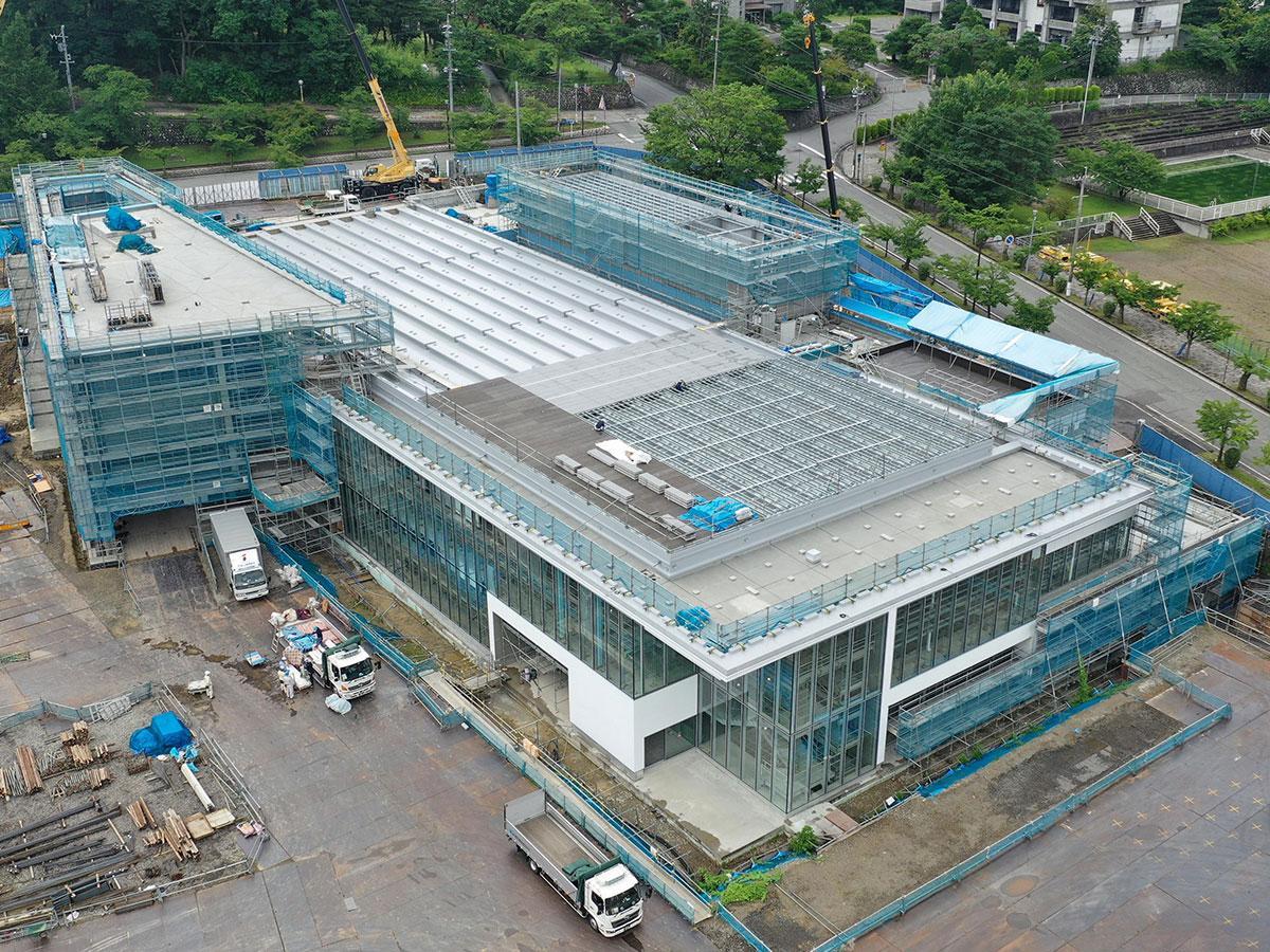 建設が進む長野県信濃美術館本館(9月上旬撮影)
