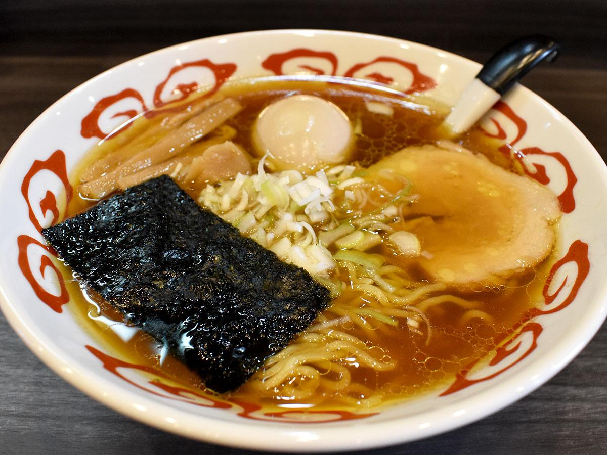 1位になったラーメン店「麺屋黄昏」の「黄昏そば」(味玉トッピング)