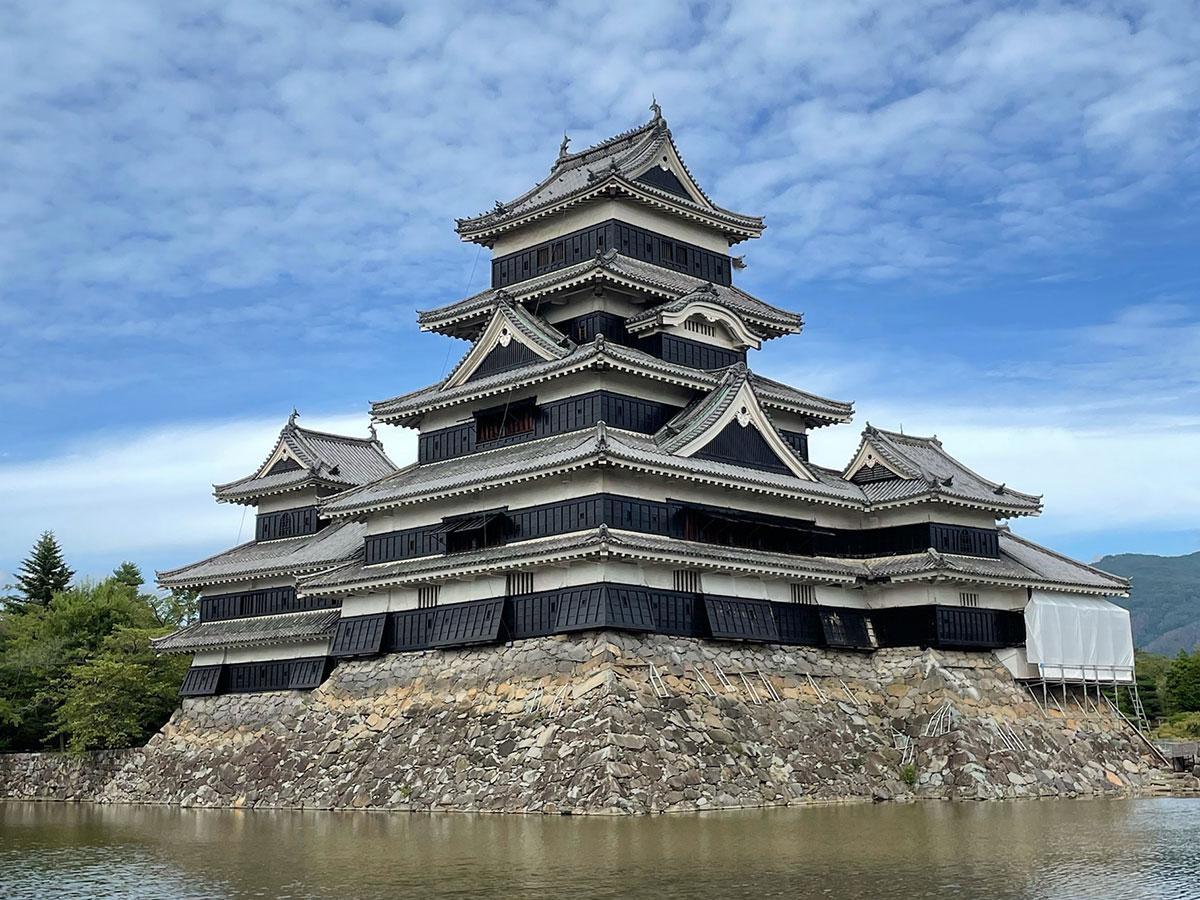 旅のお題になる国宝・松本城