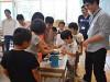 塩尻西小学校で「サマースクール」 大学生や社会人迎え「生きる力を育む」授業も