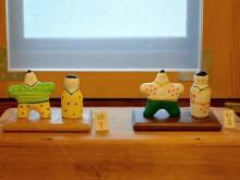 松本で陶芸作家・金井三和さん「桃の節句展」 豆びな絵付けワークショップも