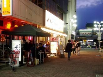 松本駅周辺で「駅前ナイトテラス」 歩行者天国でテラス席「外飲み楽しんで」