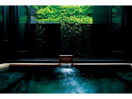 すべすべした泉質が特徴の大浴場
