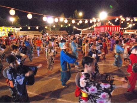 昨年の「ふる里盆踊り大会」の様子