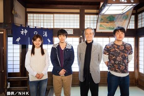 道後温泉本館での会見(提供/NHK)