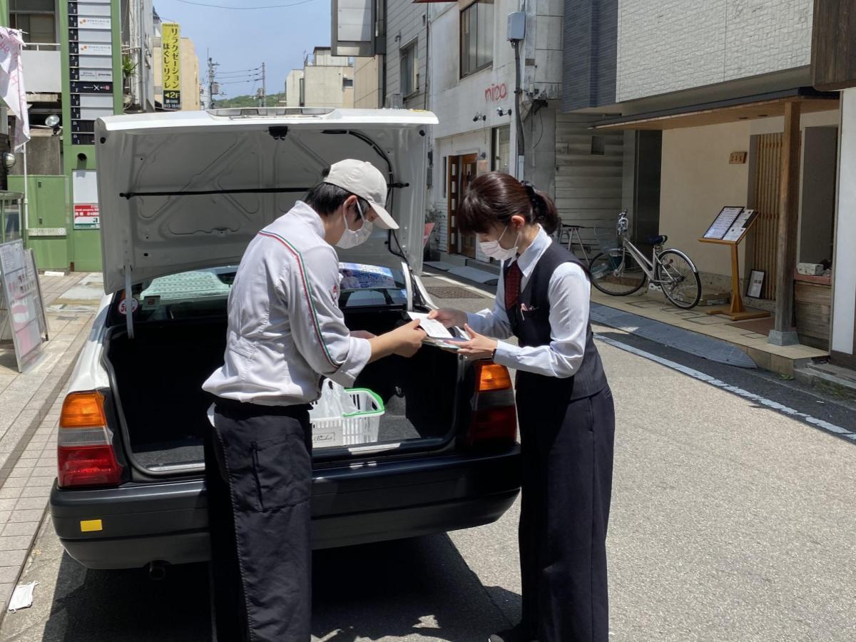 松山市内で行われた「宅タク便」プレテストの様子(5月6日撮影)