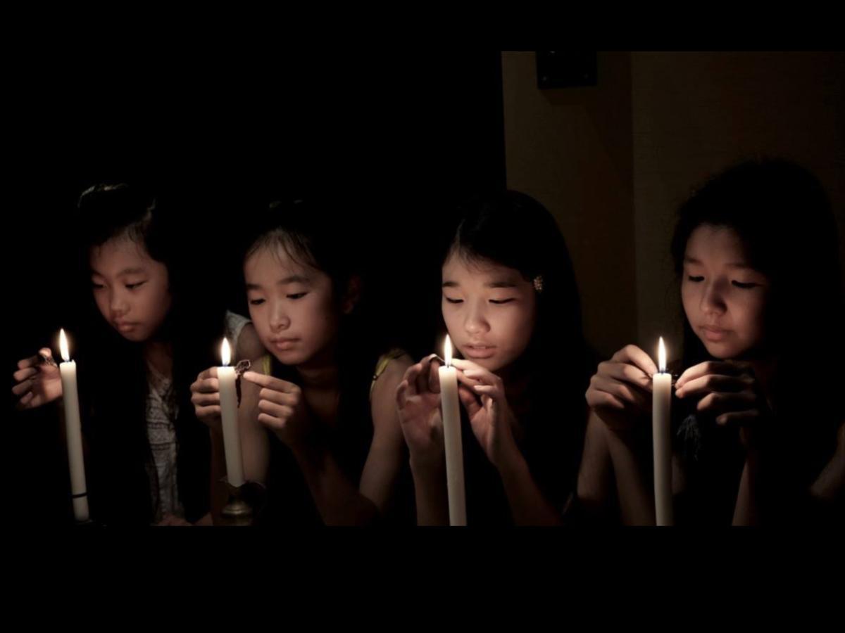 「赤糸で縫いとじられた物語」の1シーン。作品は東温市を中心に、オール愛媛ロケで撮影された