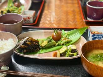 温泉旅館「どうごや」、4カ月ぶりの営業再開で新朝食「源気めし」提供