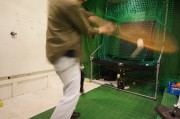 素振りできるスポーツバー「走攻酒」 上目黒に元野球少年が開く