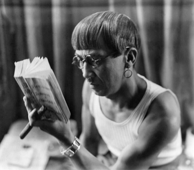 1928年頃の藤田嗣治氏近影 撮影:アンドレ・ケルテス ullstein bild / Uniphoto Press