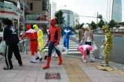 「ア∞ス戦隊ゴミ拾いレンジャー」-名駅周辺をコスプレ姿でゴミ拾い