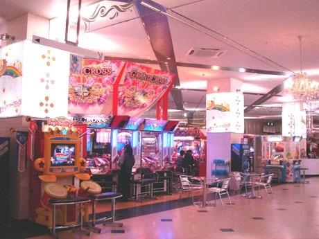 商業施設「ラ・バーモささしま」1階のアミューズメントパーク「名古屋レジャーランドささしま店」店内の様子