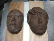 ケミストリーの顔型チョコ像-「ピエール マルコリーニ」が製作