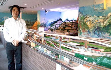 オーナーの青木さんが1年かけて作った鉄道模型