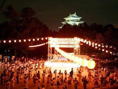 昨年の「名古屋城大盆おどり」の様子