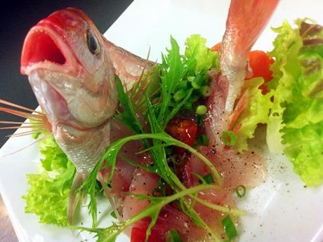 日替わりの「市場直送鮮魚の洋風お造り」