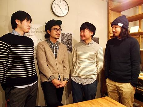 「LIVERARY」を運営する(左から)黒田さん、武部さん、蛯名さん、石垣さん