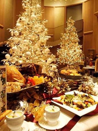 5つのレストランとカフェで提供するクリスマス期間限定の料理
