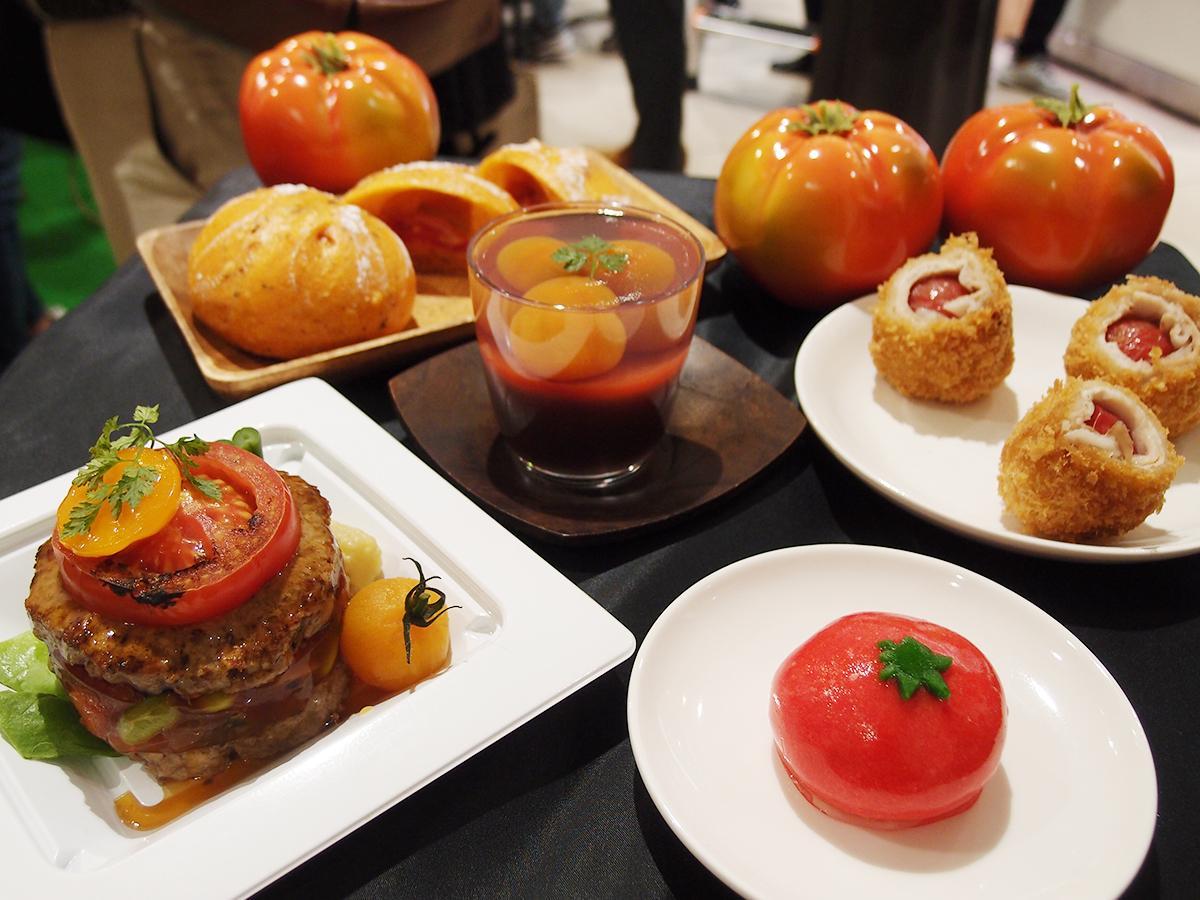 トマトバーグやトマトの肉巻き、トマト大福、トマトの生水ようかんなど