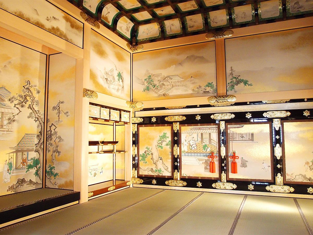 襖絵、天井板絵も美しい「上洛殿」上段之間