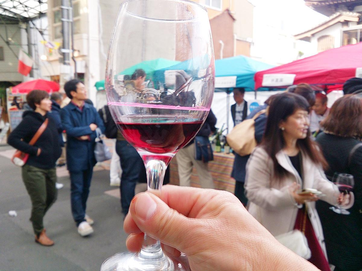 個性豊かな長野ワインを飲み比べられる。