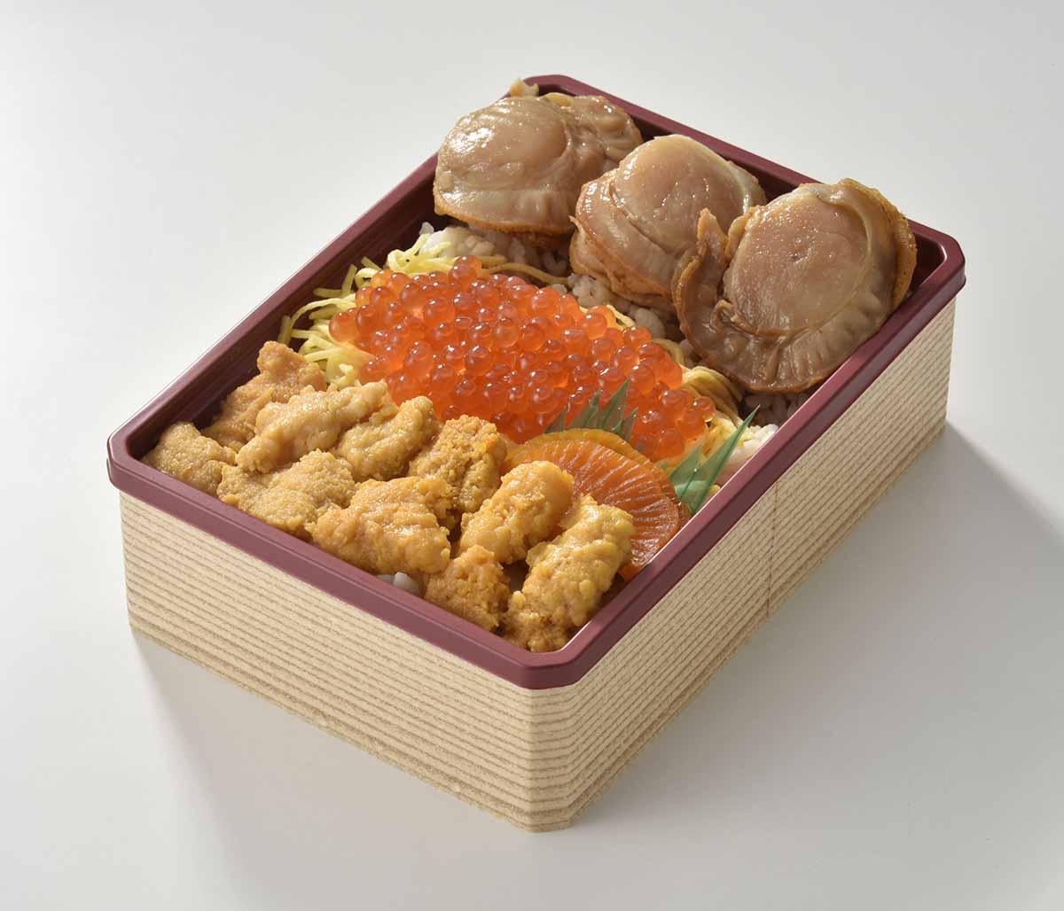 ウニ、イクラ、ホタテなどが入る「三浦屋」の「三陸弁当」(画像提供=名鉄百貨店)