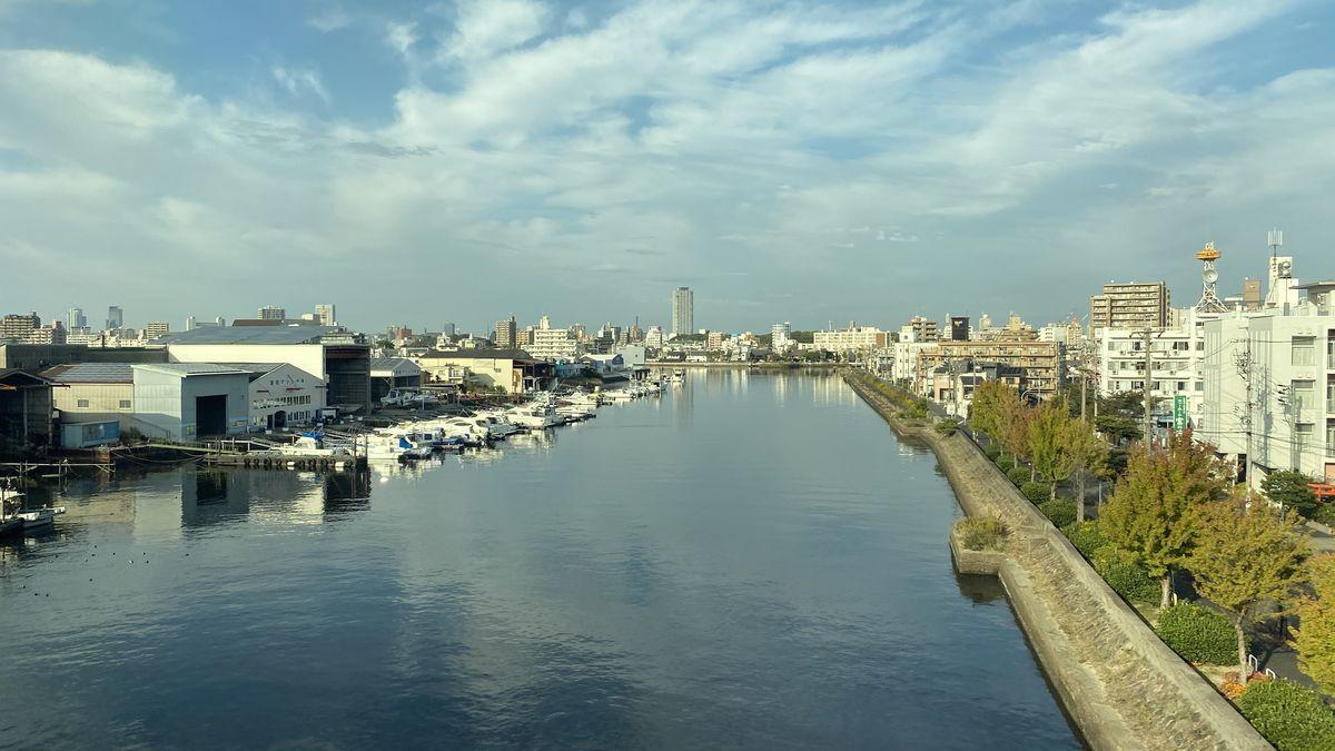 名古屋の新しい現代アートイベント「ストリーミング・ヘリテージ|台地と海のあいだ」が3月に開催。会場は堀川沿いの地域