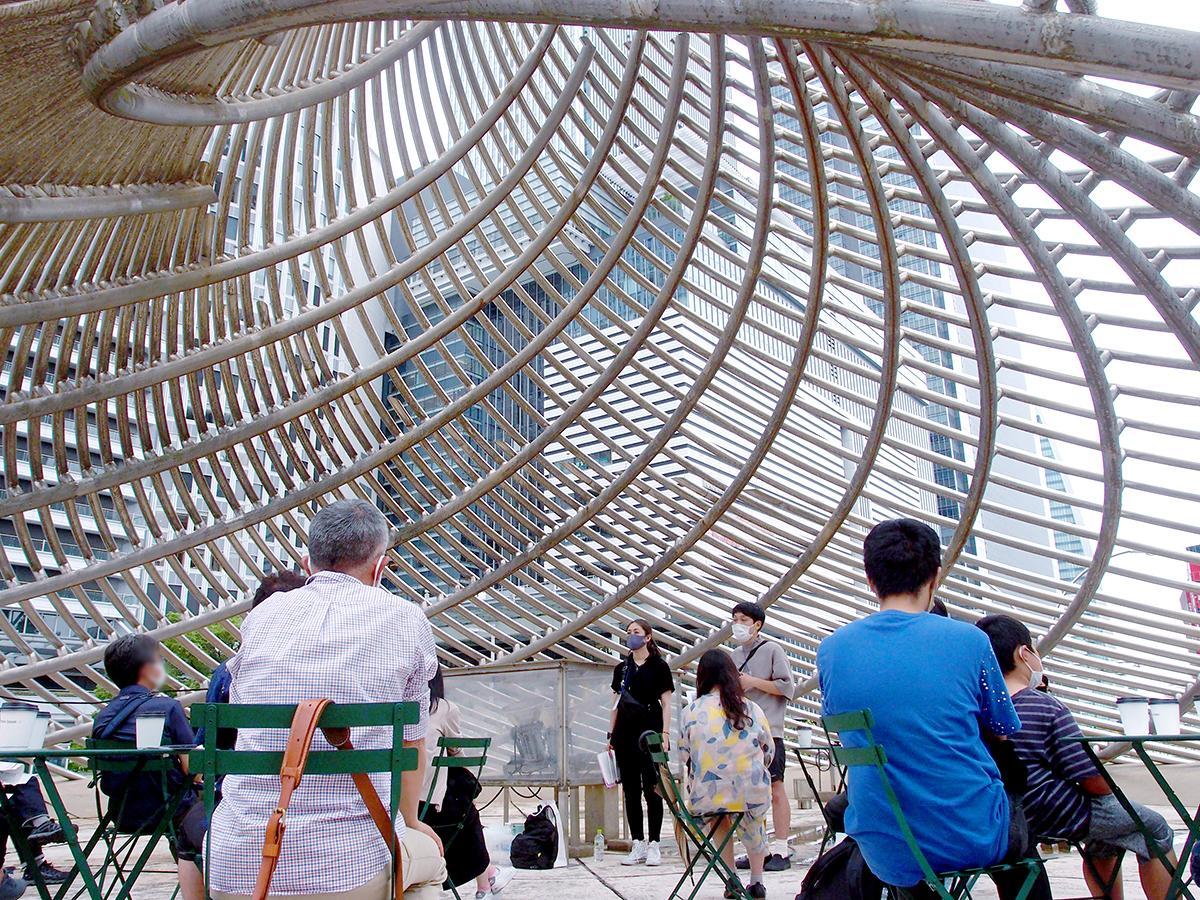 「飛翔」内部を会場に、参加者が飛翔についての説明を受け、名古屋駅エリアの理想の空間についてディスカッションした