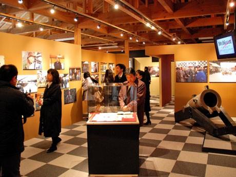 映画「桜田門外ノ変」オープンロケセット内に開館した「記念展示館」