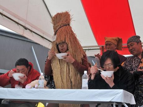 水戸の納豆男も参戦したものの予選落ちした「納豆早食い世界大会」