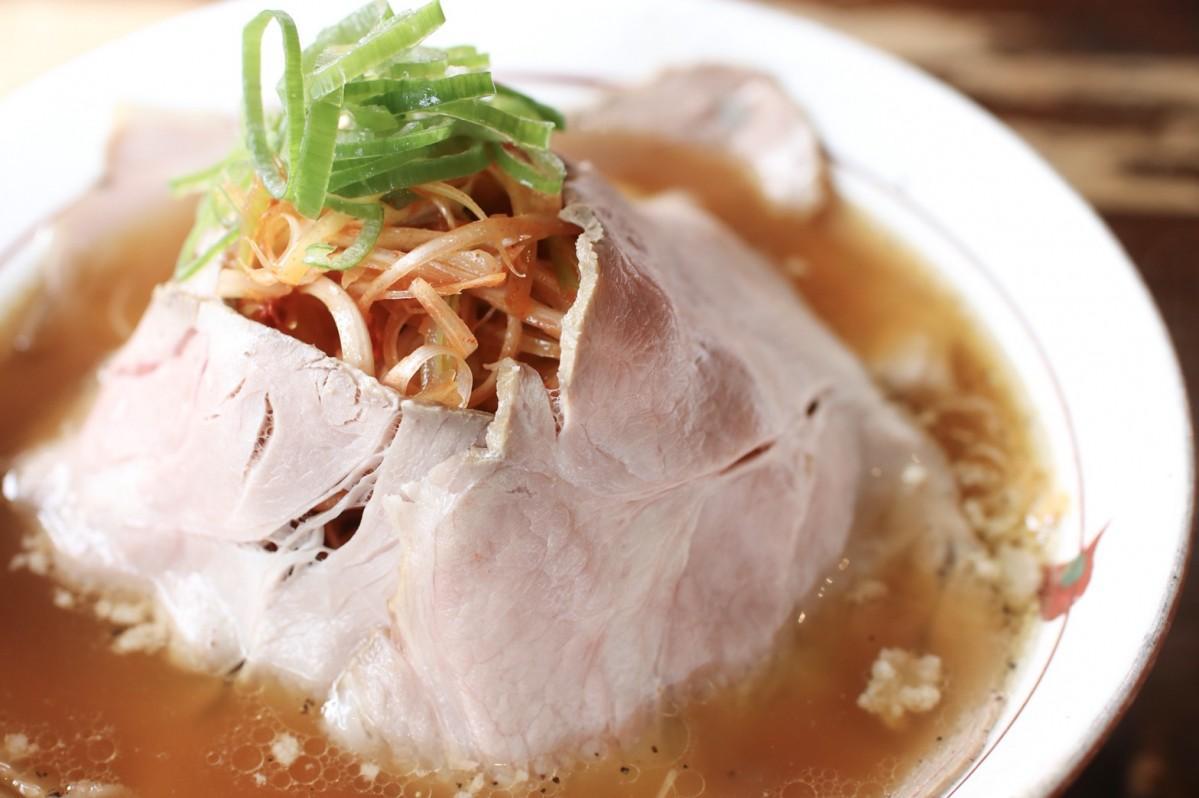 水戸店限定のローストポーク風「炭火焼ちゃあしゅう麺」