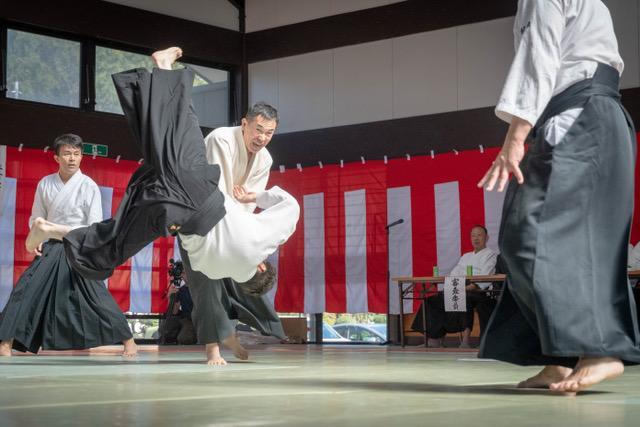 鍛え上げた技を披露(写真:茨城県合気道連盟 )
