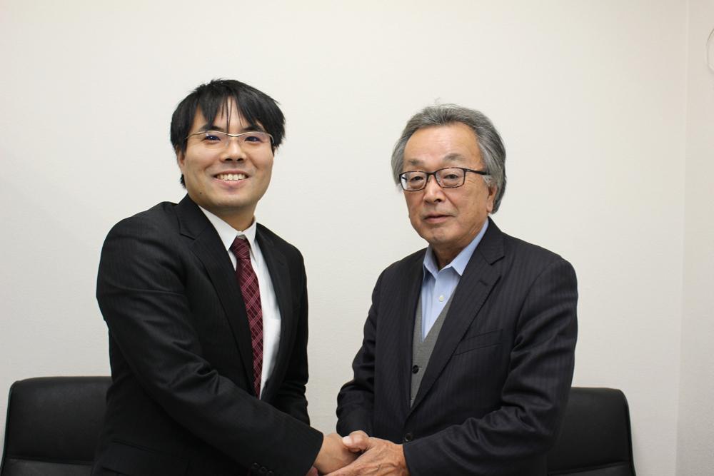 左から弁護士の片岡優さんと「大洗海の童」代表の金成和彦さん