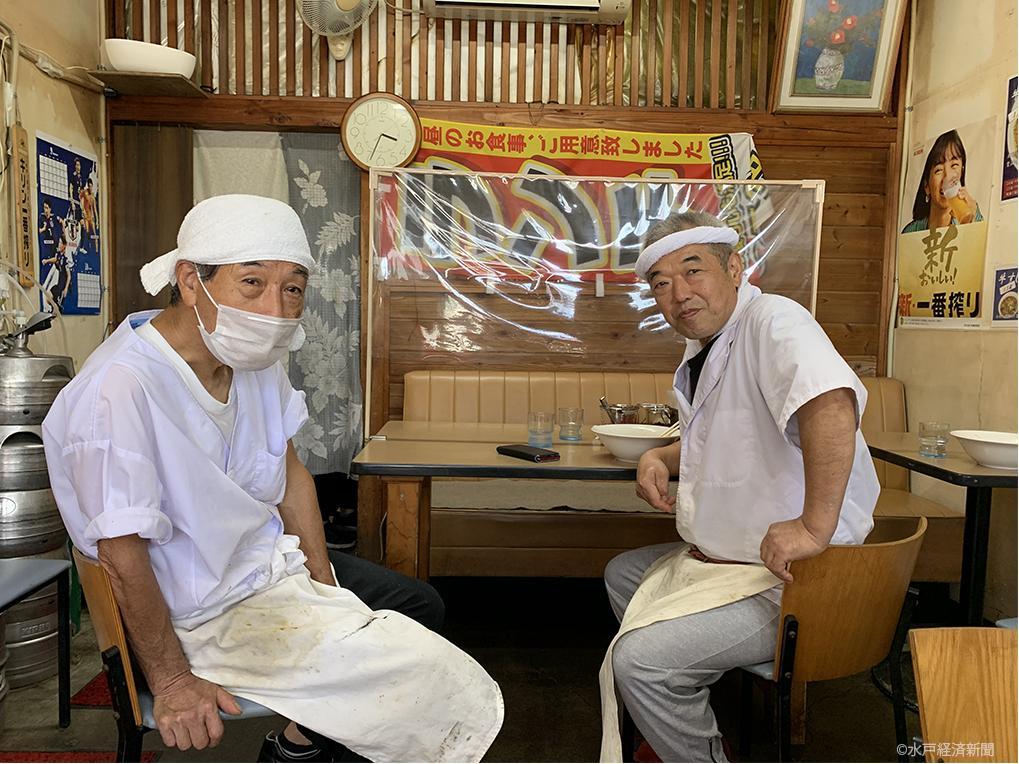 (左から)元宝珍楼の店主・木ノ内久雄さん、水戸九州ラーメン丸屋 多次郎商店の店主・丸田多治郎さん