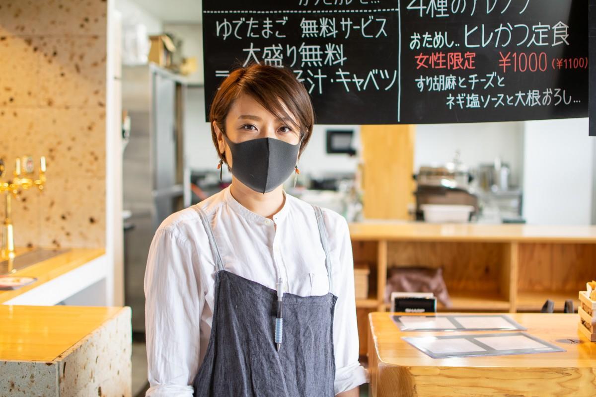 店主の小松さん