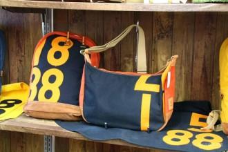 水戸のバンビ鞄工房で調教馬のゼッケンバッグ販売 「オール茨城」体制へ