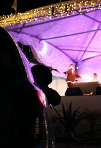 阿字ヶ浦海岸でライブと映画、マルシェ楽しむイベント 壁画アート公開も
