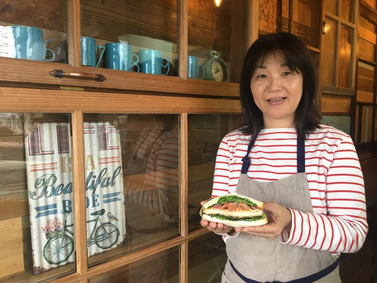 サンドイッチ専門店「手づくりサンドイッチ なかよし」店主の喜多るみさん